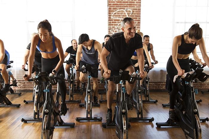 Велоспорт в приміщенні (спин-велосипед)
