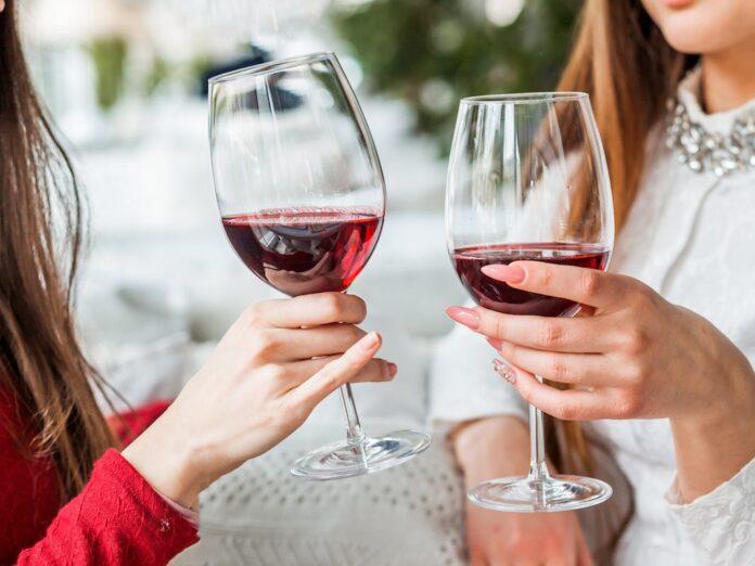 9 способів пити з користю для здоров'я