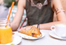 Сніданок може допомогти вам спалити більше вуглеводів, коли ви тренуєтесь